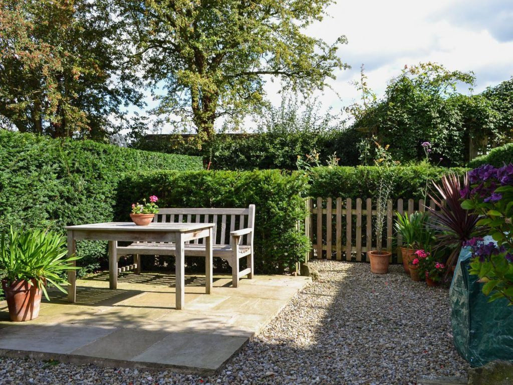 Garden - Herriot Country holiday cottage